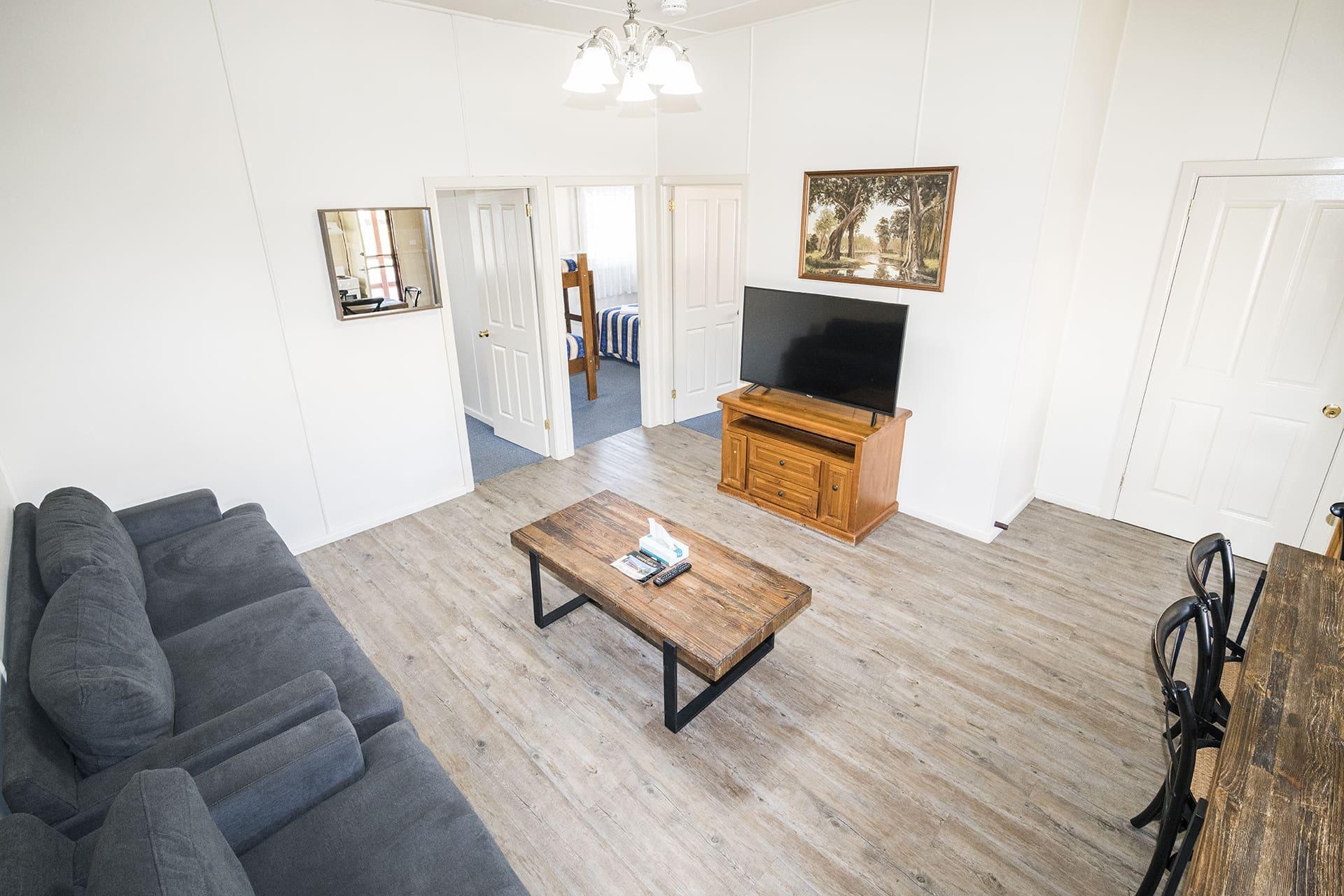 Black Gold Motel Wallerawang - Beecroft Living Room